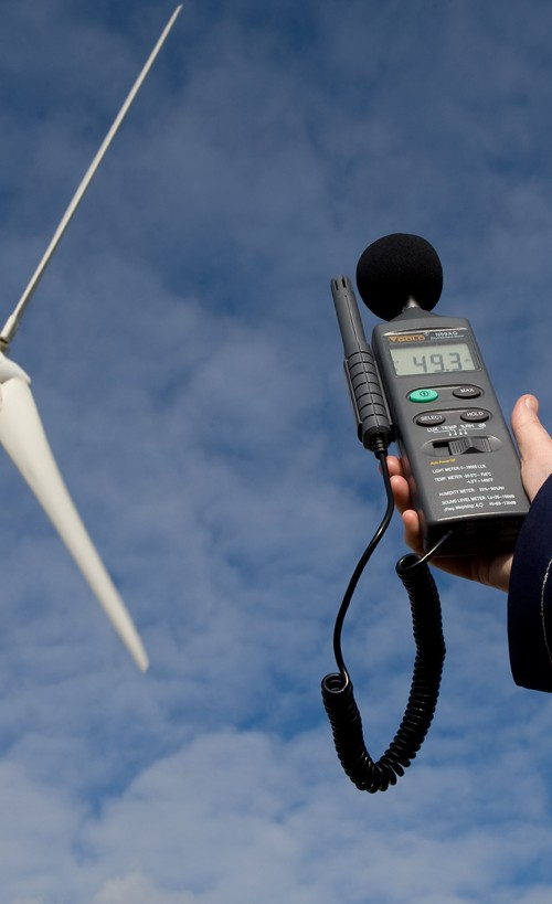 Measuring wind turbine noise